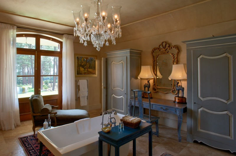 Bathroom of the Chambre Bleu Suite, La Residence, Franschhoek, South Africa