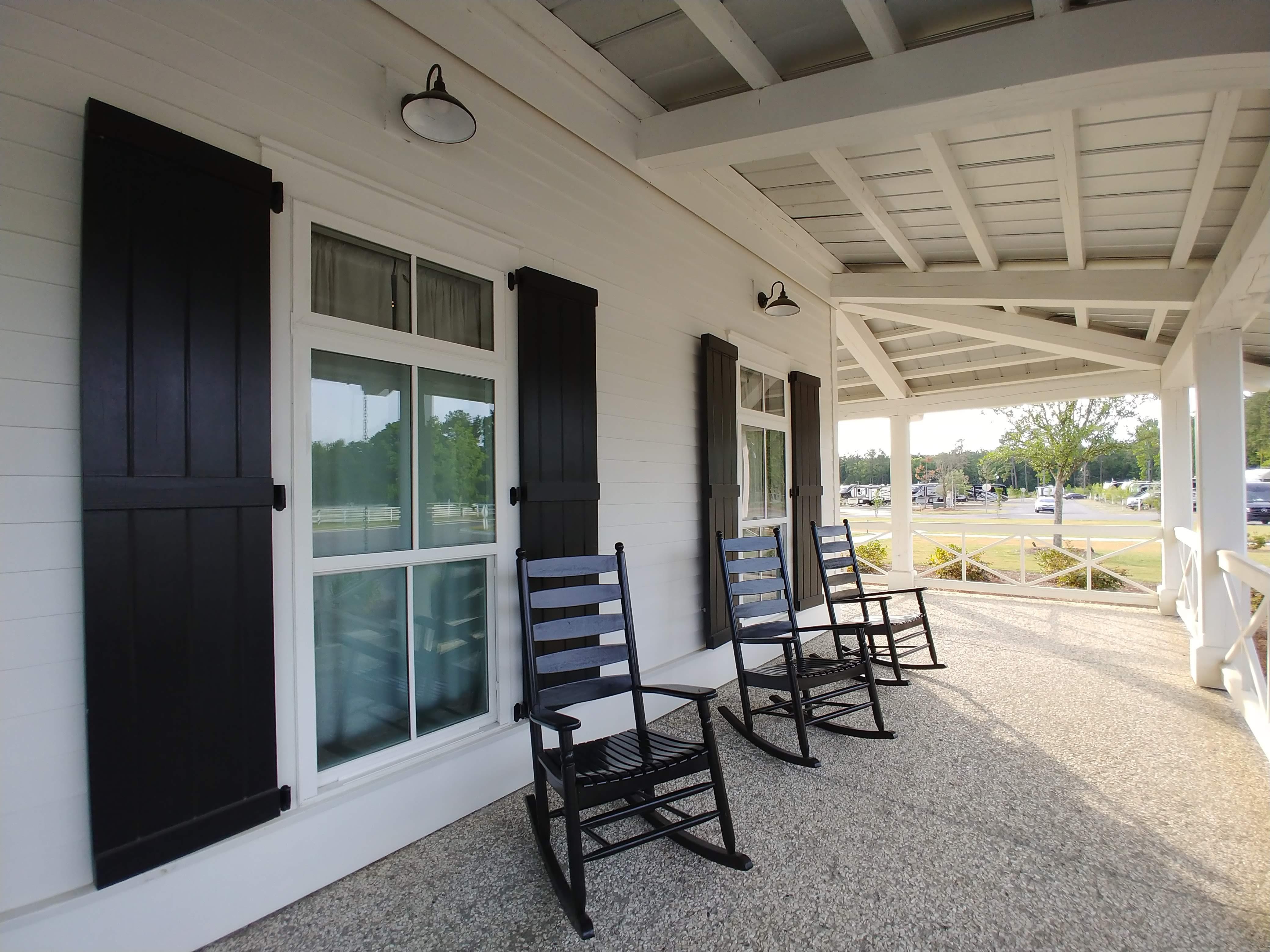 Lobby porch at CreekFire Motor Ranch