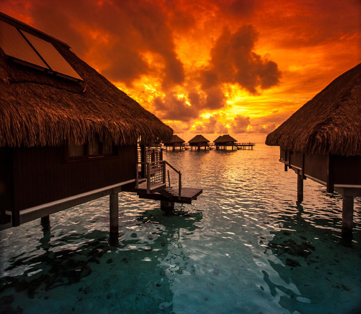 Brilliant sun display from Hilton Moorea, Tahiti