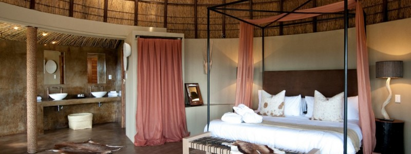 Honeymoon Suite at Kwena Lodge, Gondwana Reserve, South Africa